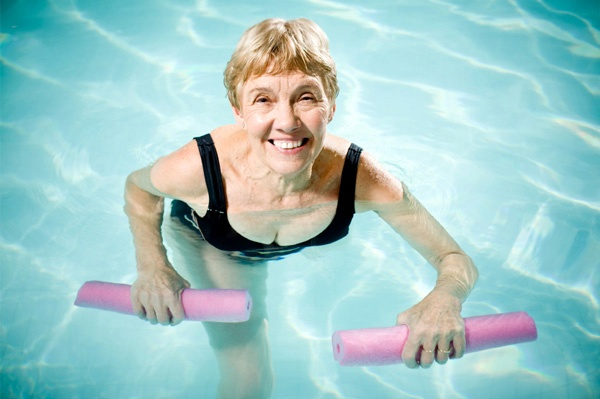 senior-woman-water-aerobics